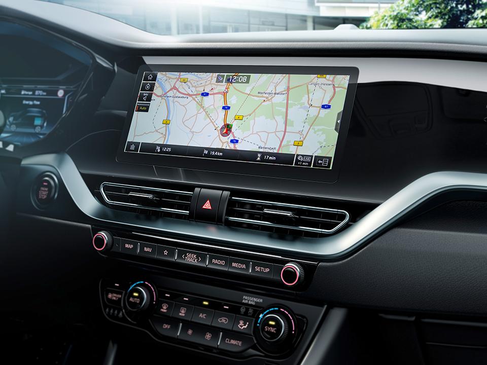 "Sistem de navigație de 10.25"" + RDS cu noul sistem telematic avansat UVO CONNECT"